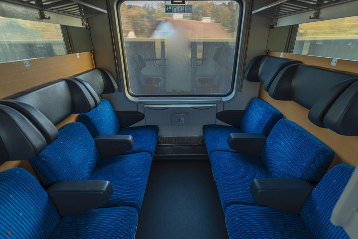 Sitzwagen im Nachtzug